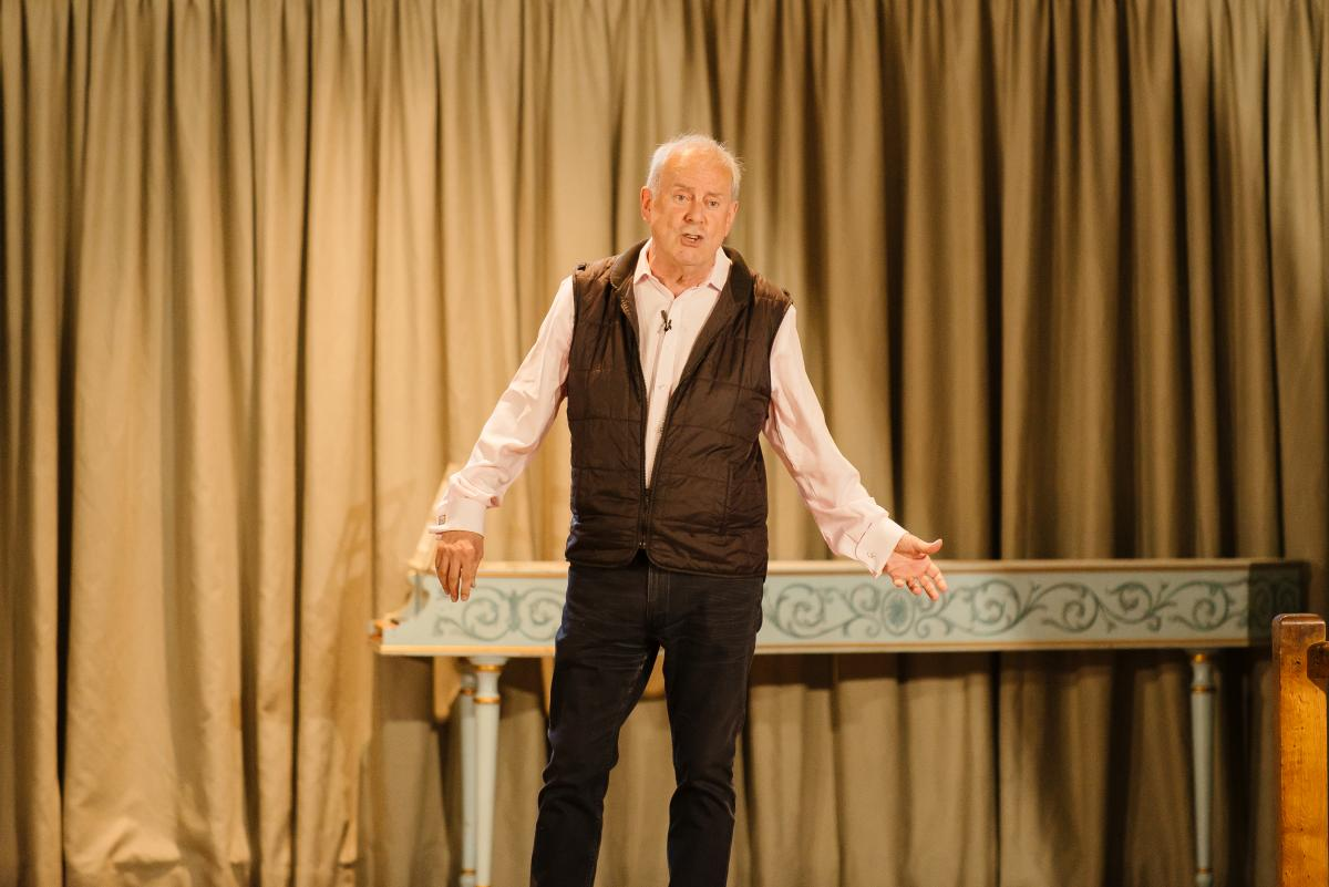 Old Bedalian Gyles Brandreth performed at Parents' Day 2018